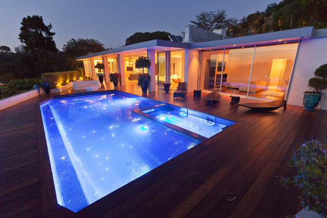 Beverly Hills House modern pool