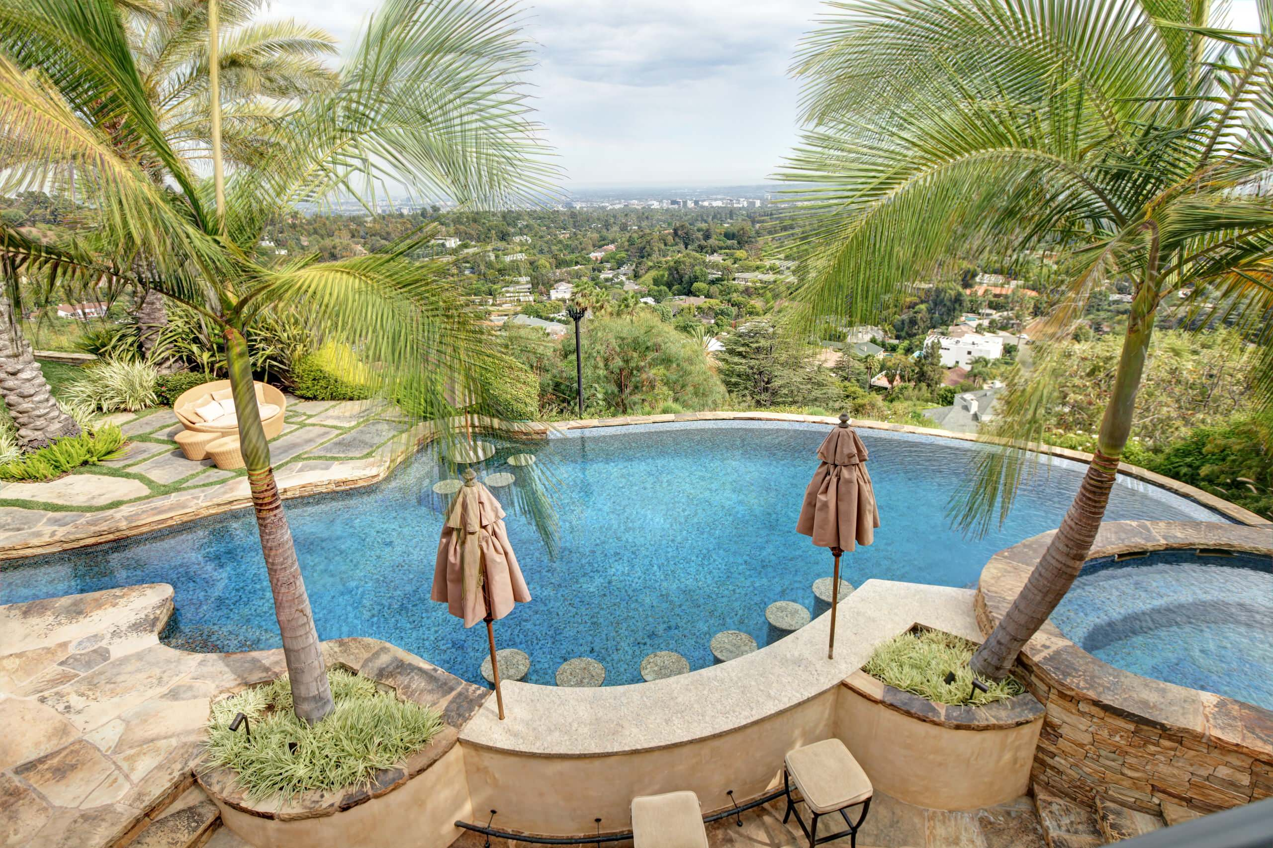 Beverly Hills - Tropical & Infinity Pool