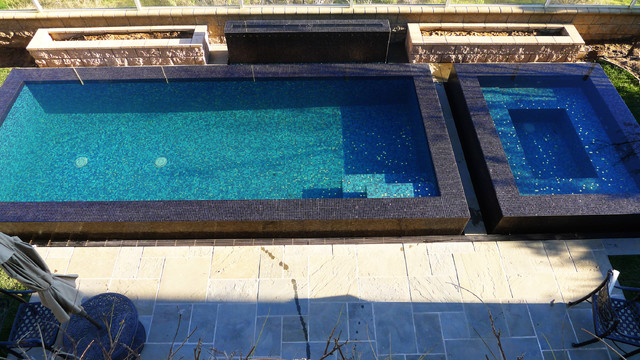 Bisazza glass swimming pool and spa contemporary pool - Salt water swimming pools los angeles ...
