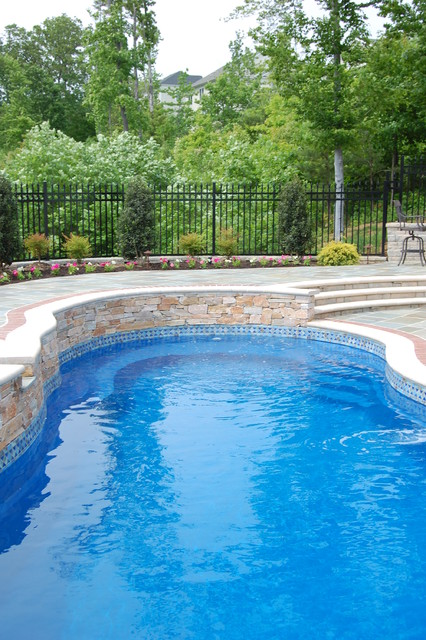 Bluestone pool and outdoor room traditional-pool