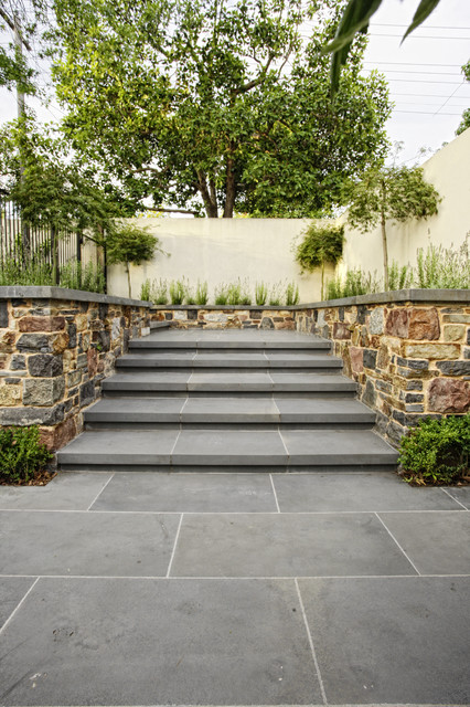 bluestone steps with kanmantoo stone walling - Traditional