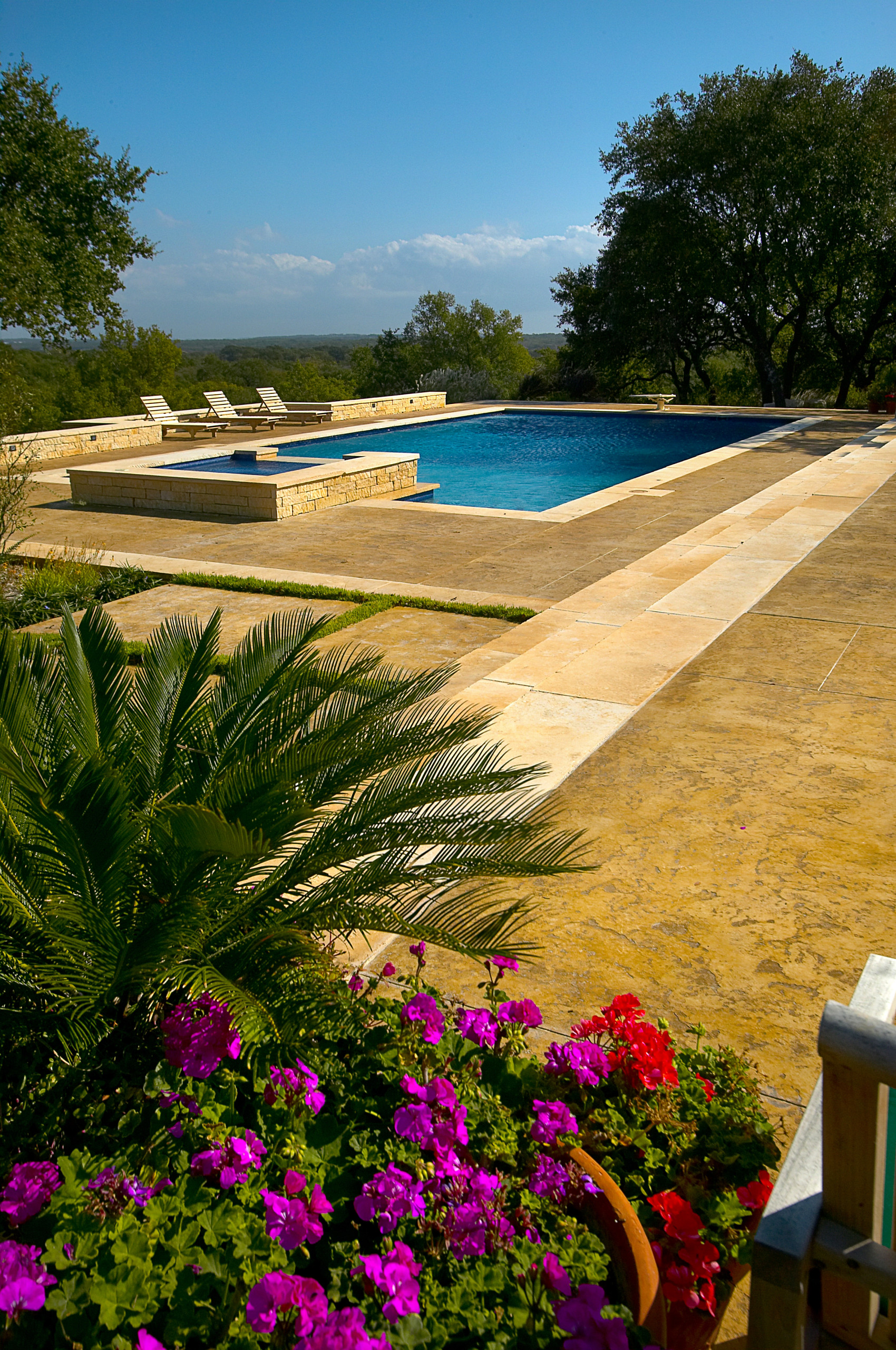 Boerne Large Rectangle Diving Pool/All Tile Spa/Outdoor Living