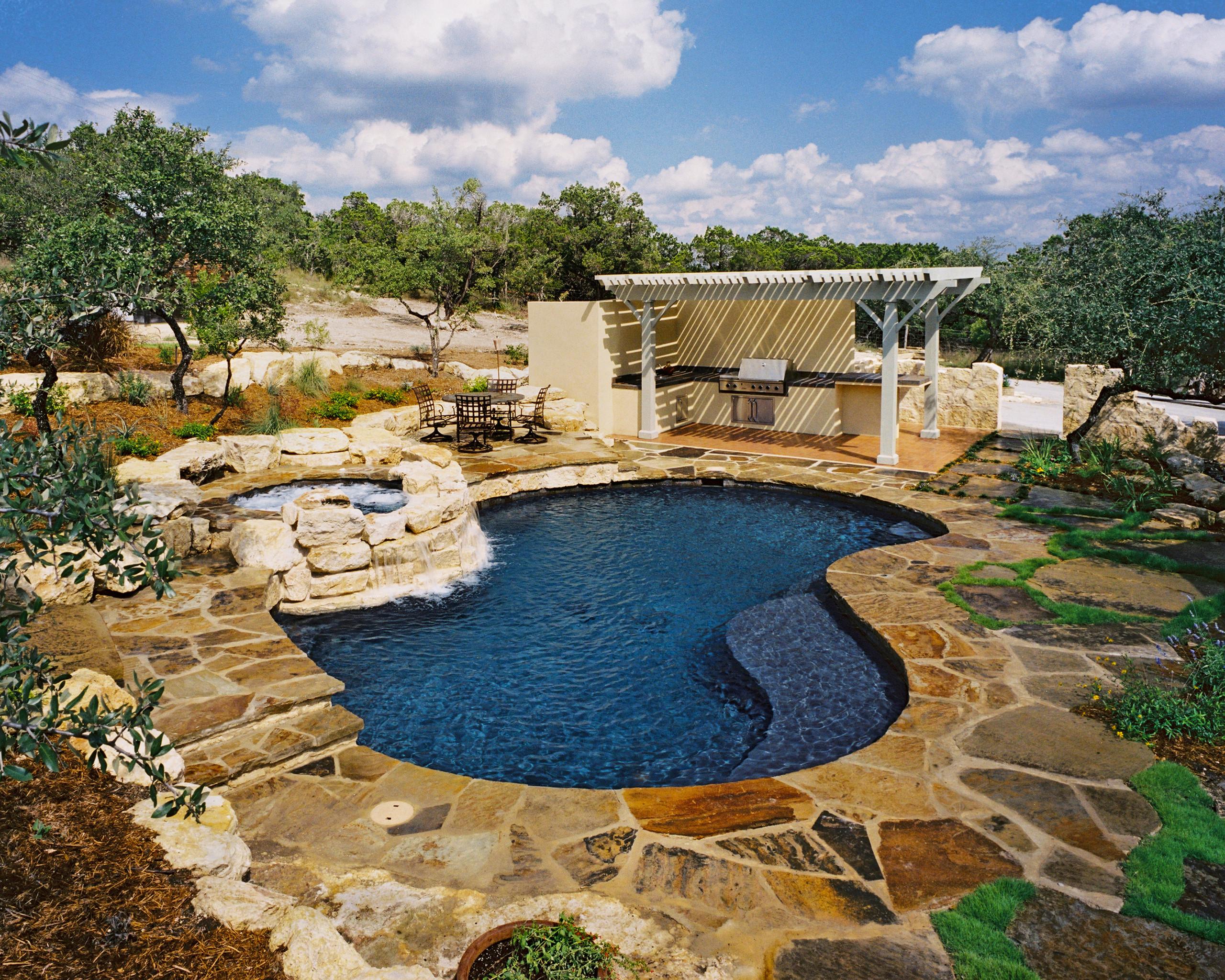 Boerne Natural/Freeform Pool/Spa/Outdoor Kitchen/Arbor