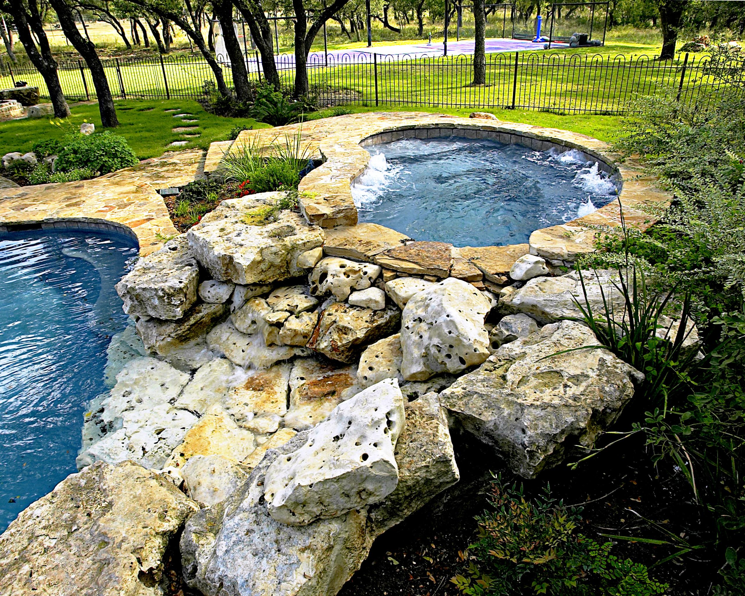 Boerne Natural Pool/Spa/Landscape