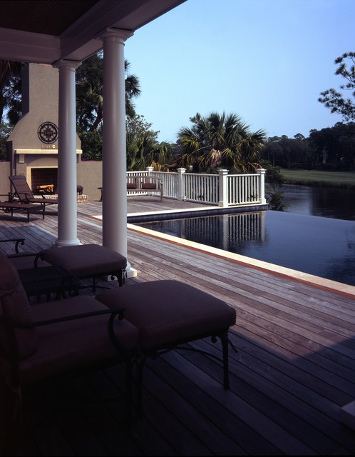 Bufflehead Drive traditional-pool