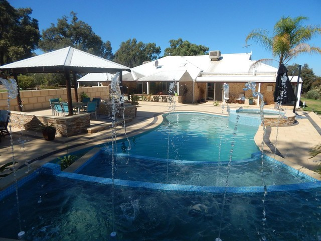 Bullsbrook Amazing Pool Area Modern Pool Perth By