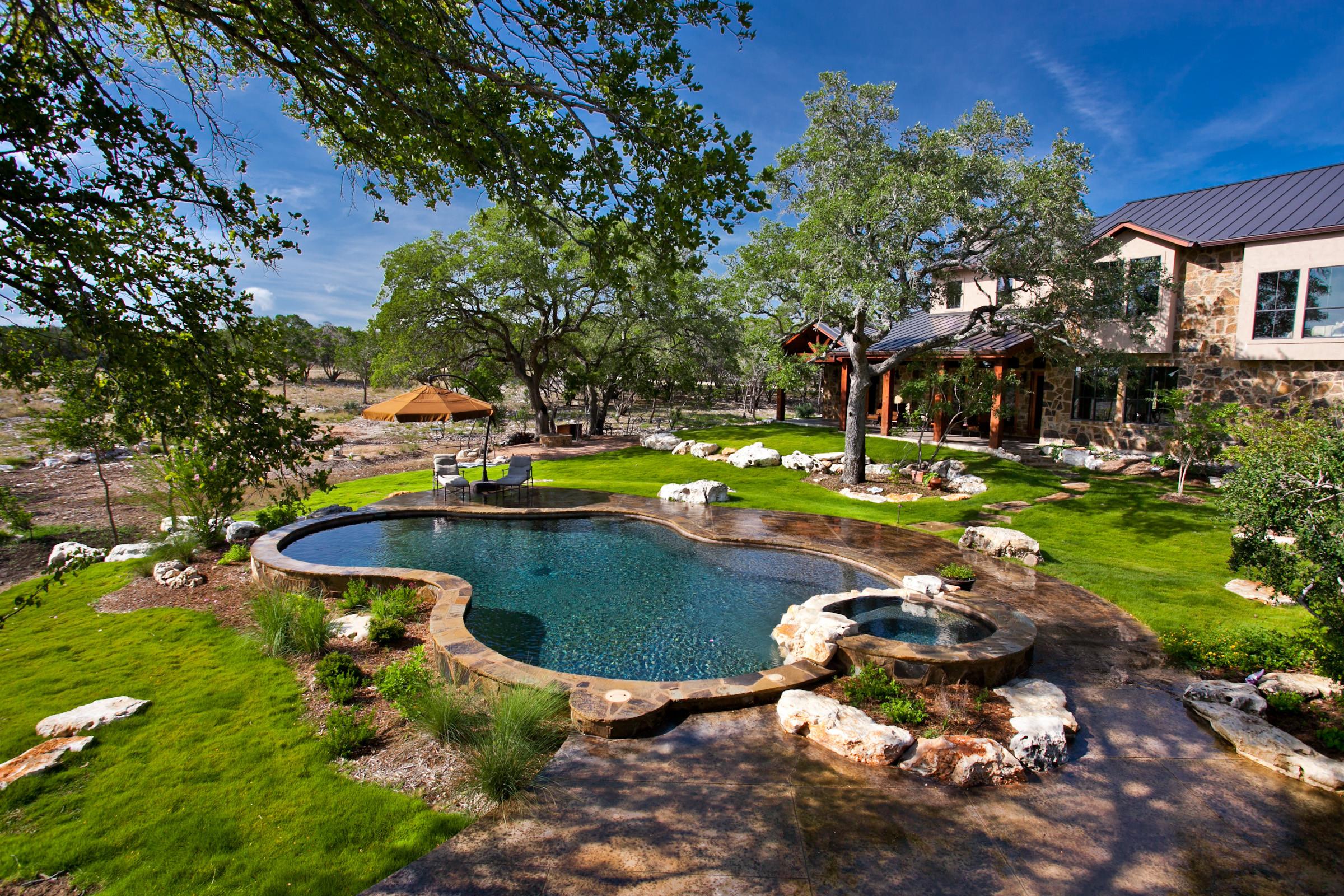 Bulverde Natural Pool/Spa/Outdoor Living/Sport Court