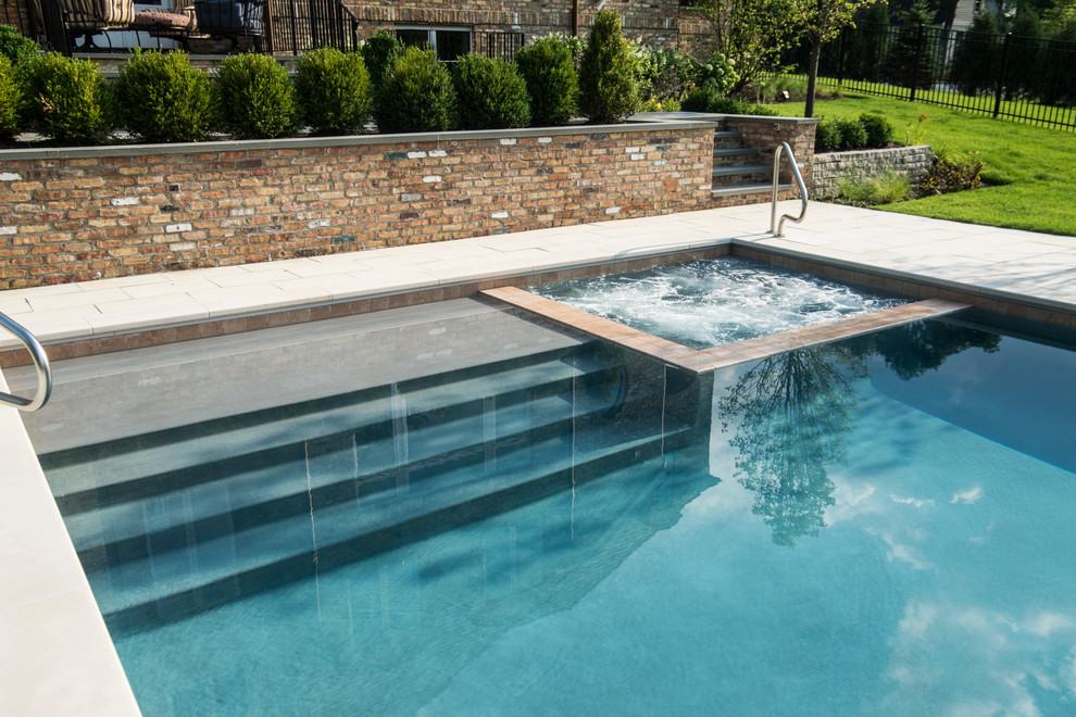 Burr Ridge Il Swimming Pool Spa Sunshelf With Automatic Pool Cover Traditional Pool Chicago By Platinum Poolcare