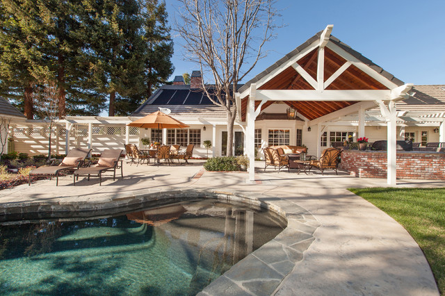 Ca Ranch Style Home Transformation Traditional Pool Los Angeles By Genoveve Serge