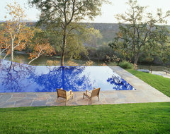 California Residence modern-pool