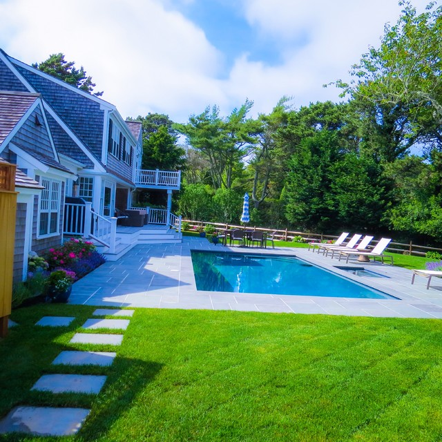 Cape cod landscapes gardens patios for Houzz landscape architects