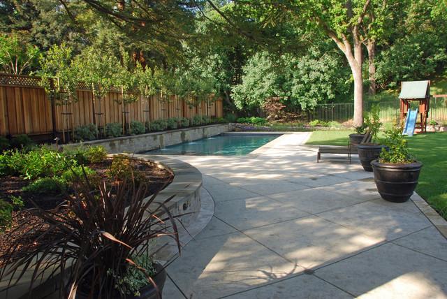 Casual Living Pools : Casual Elegance