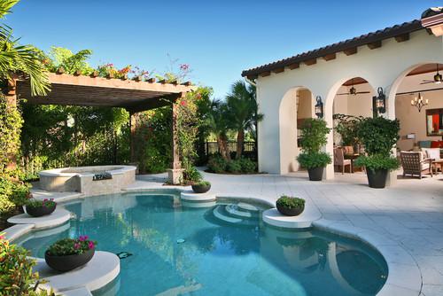 Mediterranean style swimming pool with pergola - 13 Dream Pergolas For Around The Pool