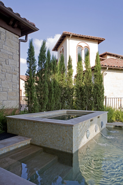 Coldwater Canyon mediterranean pool