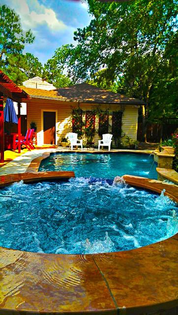 Compact Pool Makes Maximum Impact