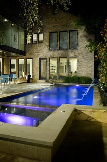 Luxury Pool Water Features: Icing On The Cake