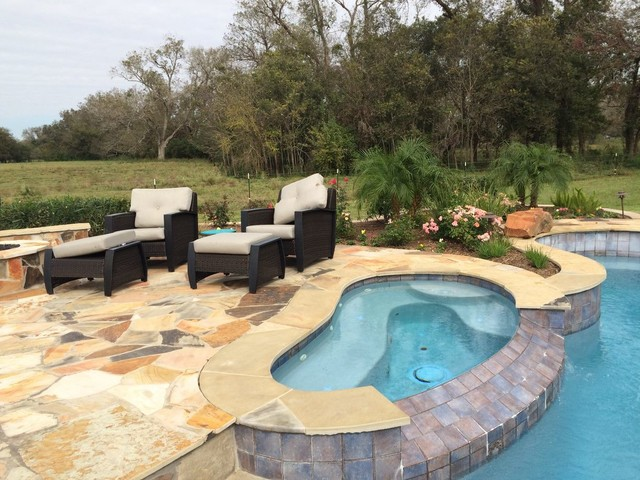 Contemporary pool patio and landscape in richmond tx for Pool design richmond va