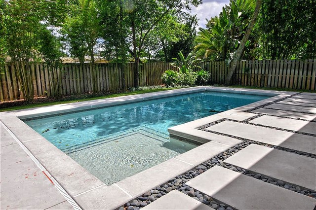 Contemporary Poured Concrete Pool Deck