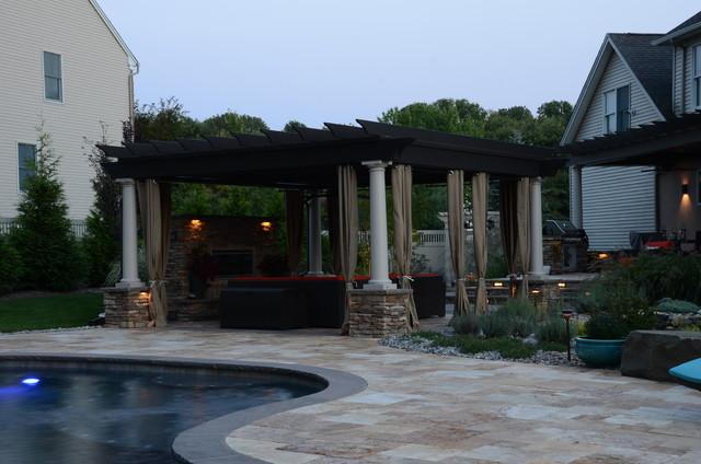 Contempory Design meet Natural Beauty mediterranean-pool