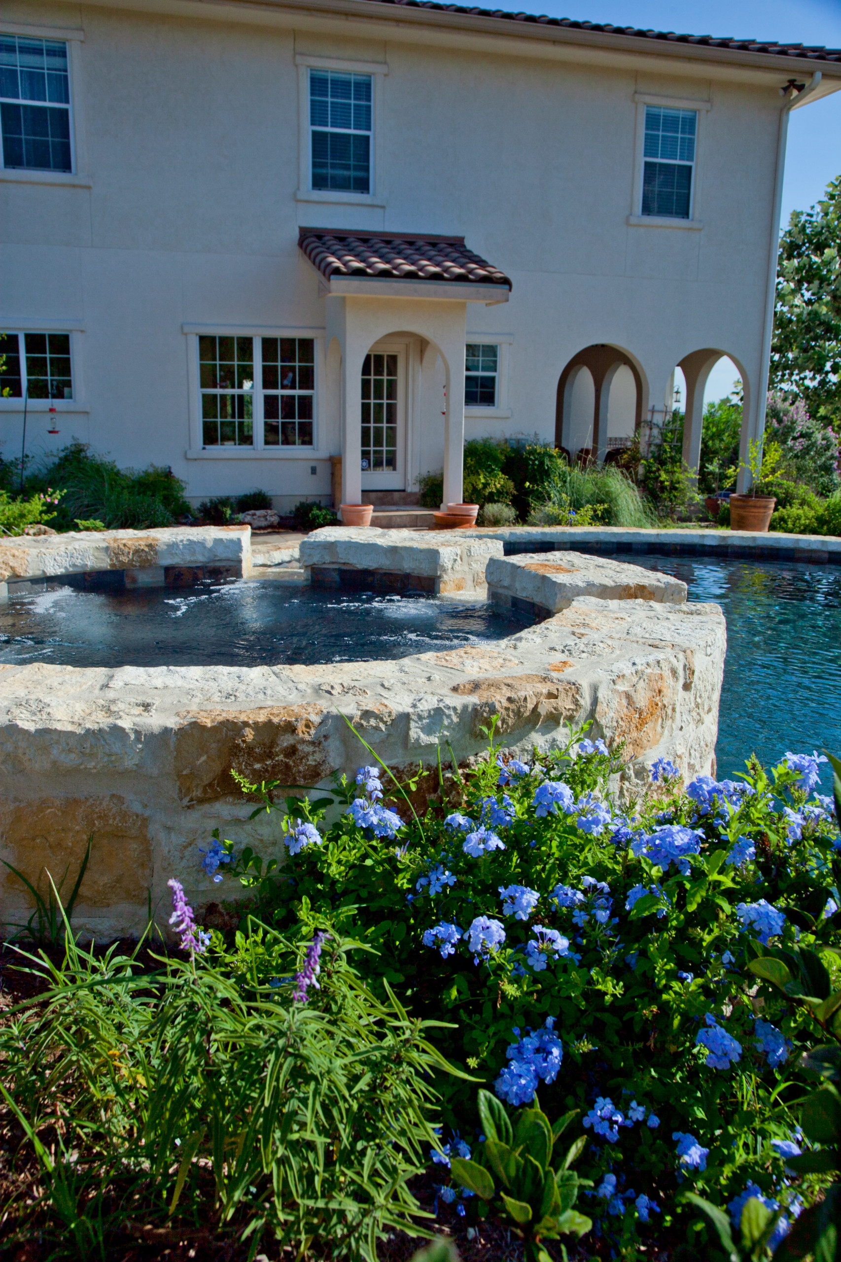 Cordillera Ranch/Boerne, Texas Round pool with Raised Spa and Pool Deck