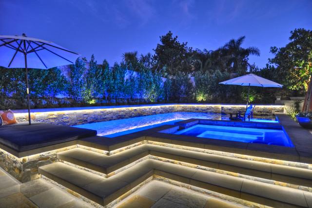 Corona Del Mar traditional-pool