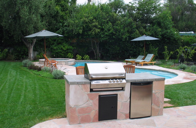 Country Eclectic Studio City traditional-pool