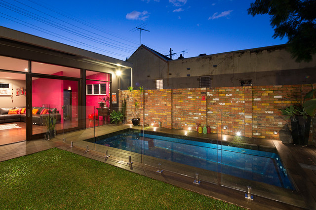 courtyard pool house newtown contemporain piscine sydney par zugai strudwick architects. Black Bedroom Furniture Sets. Home Design Ideas