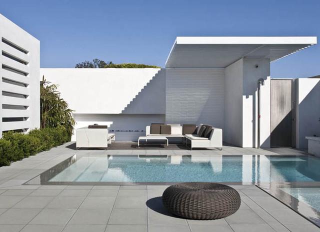 Courtyard modern-pool