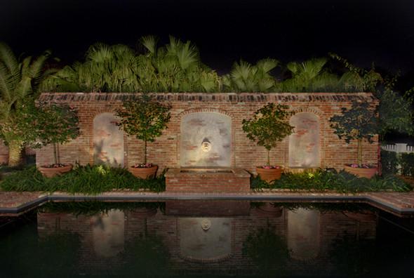 Courtyard traditional-pool