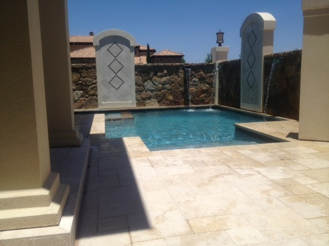Courtyard Pool And Spa contemporary-pool