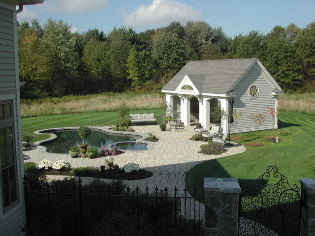 Custom Country Home - Suffield, CT traditional-pool