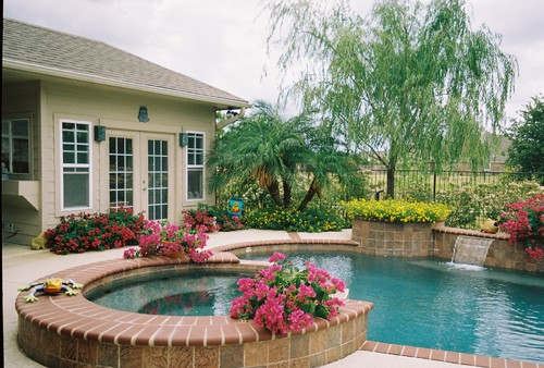 cypress,tx contemporary pool