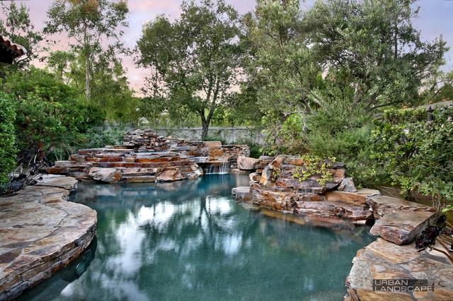 Descante Residence mediterranean-pool