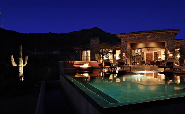 Desert Mountain Drama traditional-pool