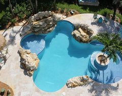 Vero Beach Florida - White Surf Beachside Home tropical-pool