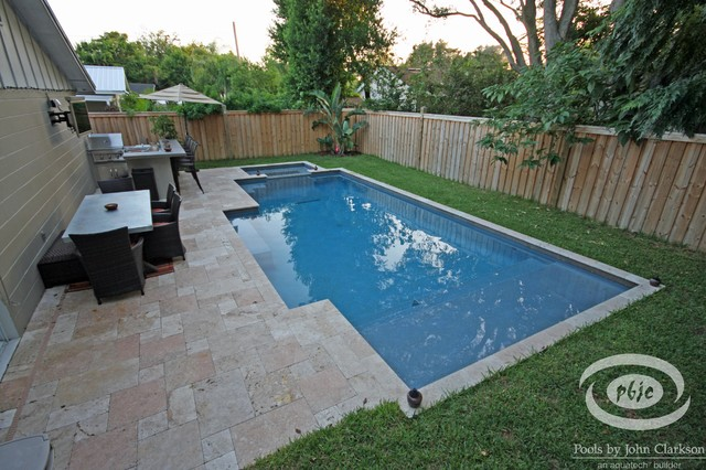 Designs for small spaces traditional swimming pool for Small hot tubs for small spaces