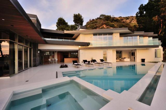 Doheny modern-pool