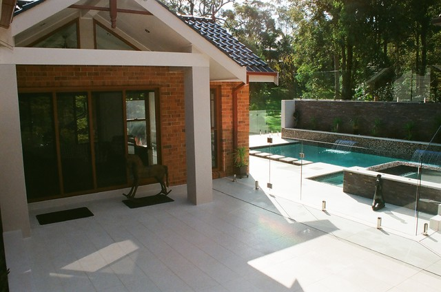 East maitland suburban bliss modern pool newcastle for Pool design newcastle