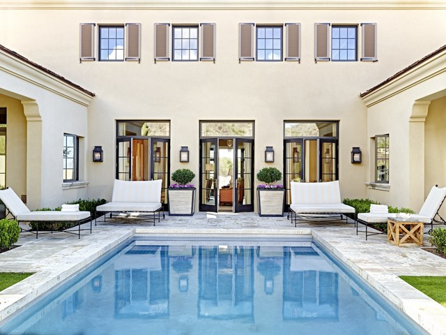 Eclectic Desert Pied-'A-Terre traditional-pool
