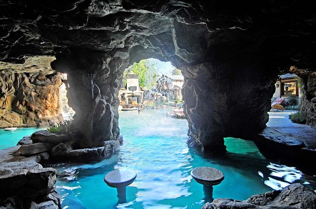 Natural Pools, Waterfalls, Lagoons and Rockwork eclectic pool