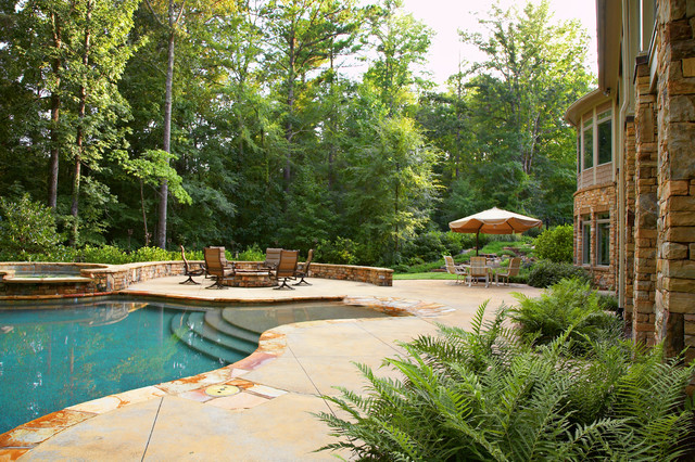 English Country Estate traditional-pool