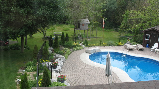 Estate Residence - Prince Rupert Drive traditional-pool