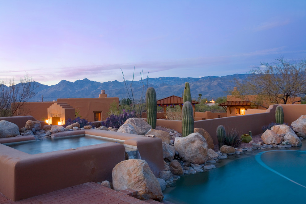 Example of a southwest hot tub design in Phoenix