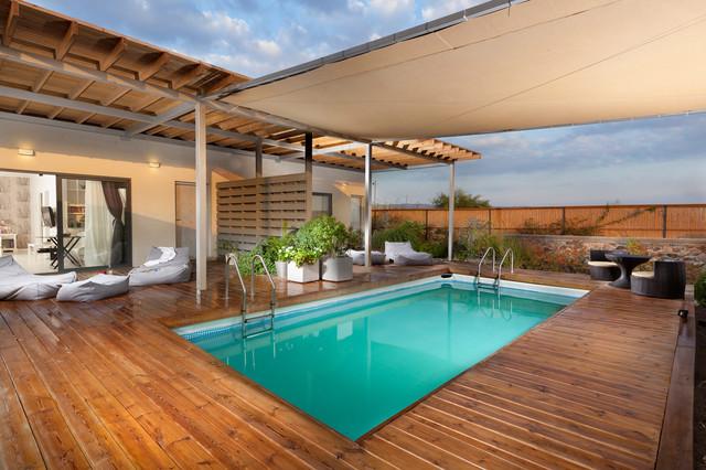 exterior contemporary-pool