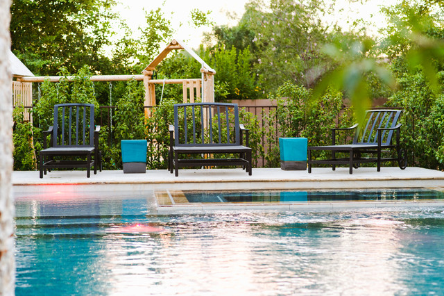 Swimming Pool Entertainment : Family outdoor living swimming pool entertainment