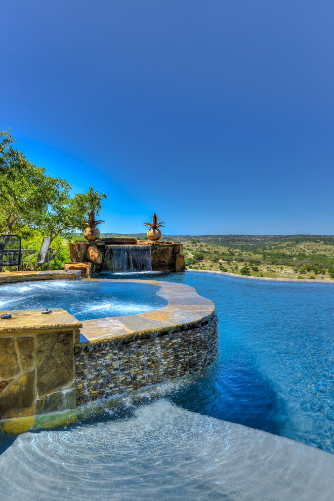 Landscaping Your Pool or Hot Tub with Stone Veneer