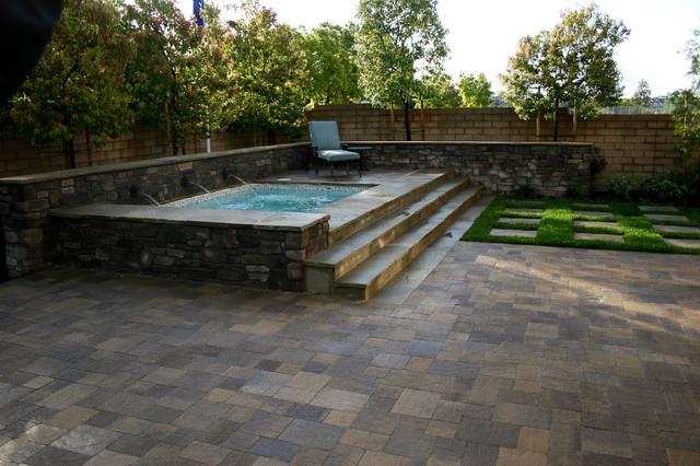 Fiora models homes traditional pool orange county for Pool design orange county ca