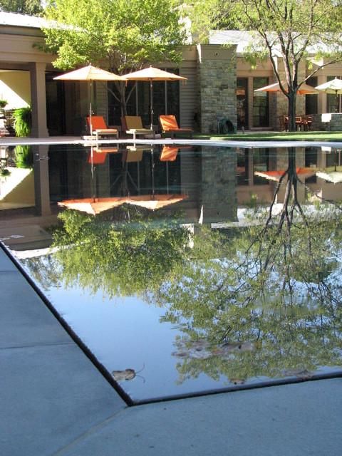 Flat water residence modern pool washington d c for Plusen landscape architects