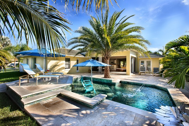 Florida Room Amp Aquatic Oasis Tropical Pool Tampa