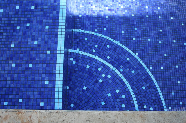 Fluorescent tile which glows for 7 hours at night pool - Glow in the dark swimming pool toys ...
